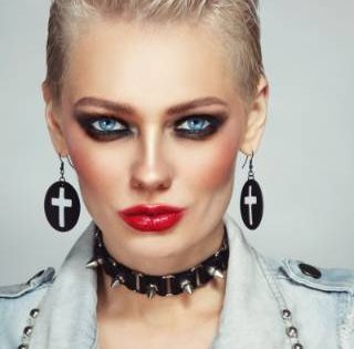 80S MAKEUP TRENDS TO CHANNEL THE DECADE