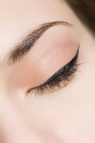 Makeup tricks every person with hooded eyes needs to know
