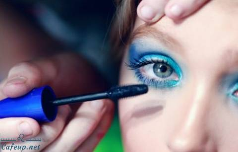 How to choose the best eye shadow to match your eye color