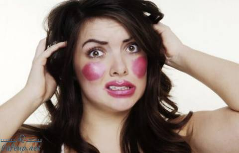 5 Foundation mistakes that will ruin your makeup
