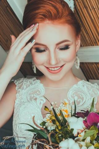 Handy bridal makeup tips and essentials for the wedding