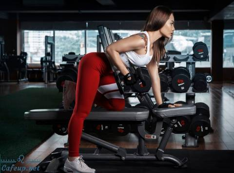 Best exercise tips to reduce back fat for women