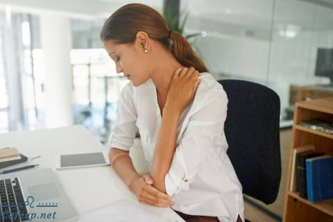 Best Simple Stretches to Protect Your Back at Work