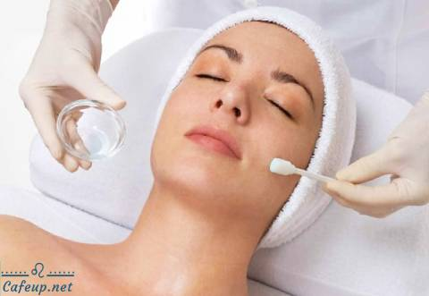 How does chemical peel work?